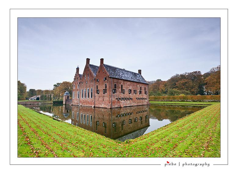 Menckemaborg 1 - Ik heb zaterdag 29 oktober 2011 een wandeltocht in Noord Groningen gedaan. In het blad Noorderland stond een prachtige route van 12 k