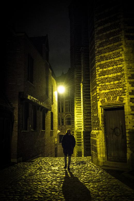 """Antwerpen bij Nacht... - Oude straatjes van antwerpen bij nacht, genomen nabij """"het STeen""""."""