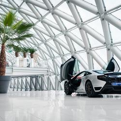 De McLaren MP4-12C.