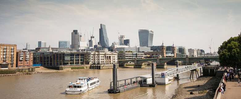 Londen - Thames met de Cheesgrate en Walkie Talkie - Londen - Thames