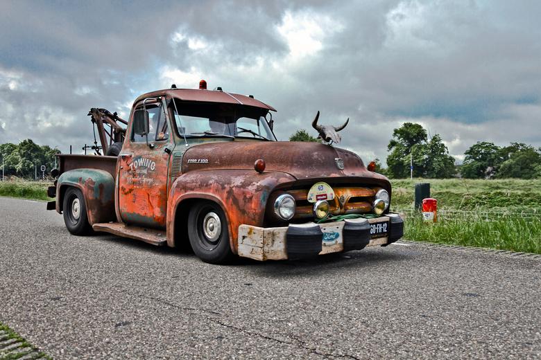 """Ford F-100 Towing Truck 1953 (6617) - 1953 Ford F-100 Towing Truck<br /> <br /> <a href=""""https://www.flickr.com/photos/photiste/48270832206/in/album"""