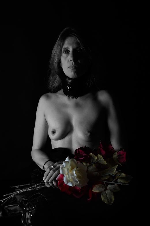 Portret met bloemen - studioshoot