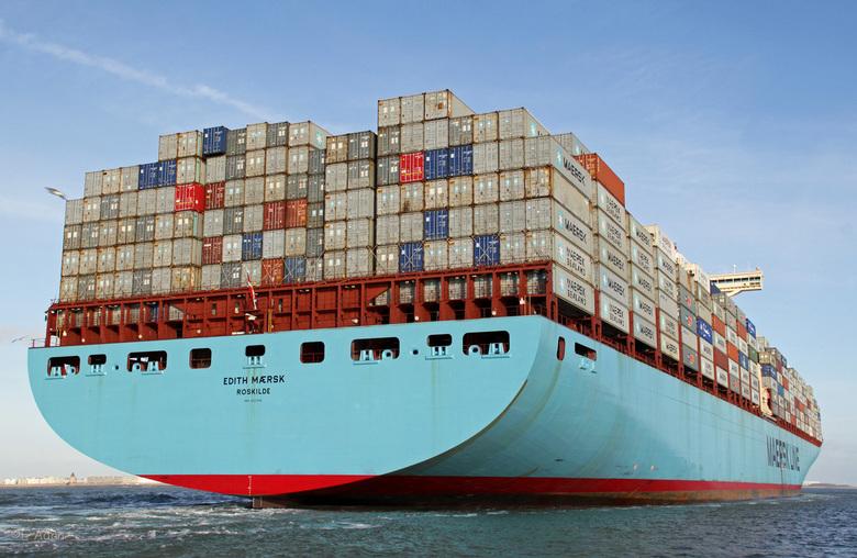 Edith Maersk op Vlissingen Rede - Edith Maersk wacht op Vlissingen rede op haar loodsen