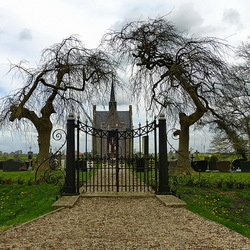 kerkhof in de noordoostpolder