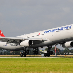 TC-JII Turkish Airlines Airbus A340