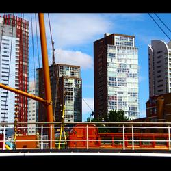Flats bij havenmuseum Rotterdam