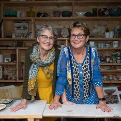 Eeneiige tweeling Susan en Antoinette 1