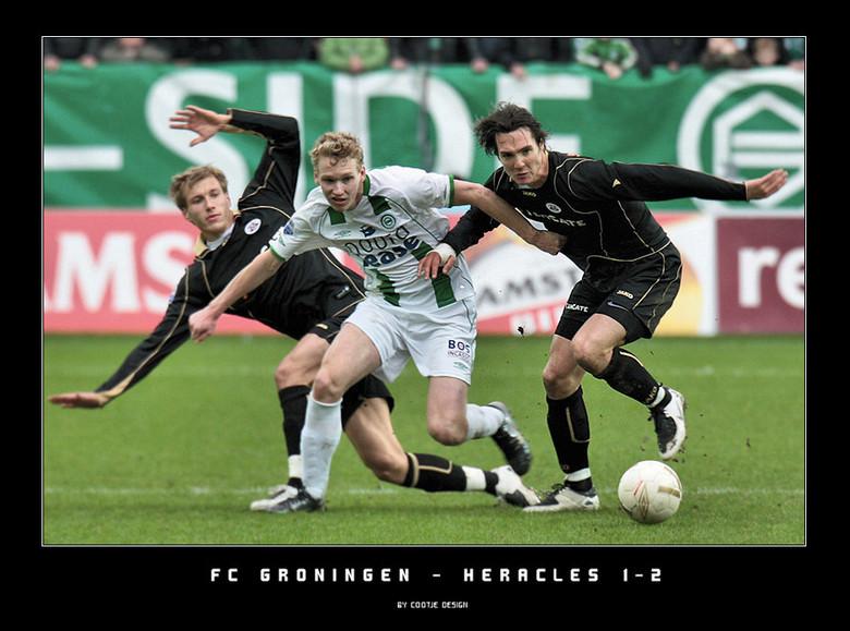 Duw en Trekwerk - Het nodig duw en trekwerk hier in beeld gebracht bij FC Groningen - Heracles. Leuke pot voetbal, met Heracles als een verdiende winn
