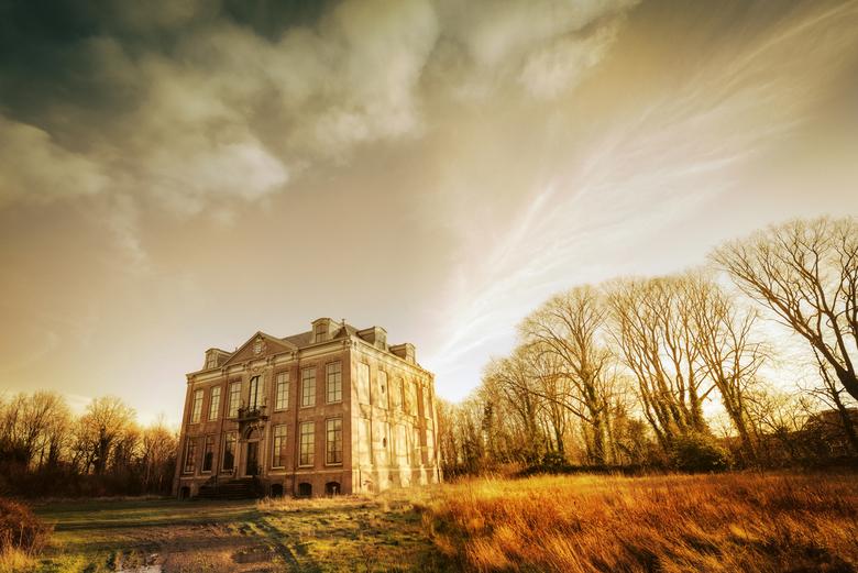 """Huis """"Der Boede"""" - Huis (en landgoed) Der Boede, een grote villa in Koudekerke (Zeeland). Na lange leegstand recentelijk verkocht aan een in"""