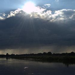 Regen en zonneschijn aan de Vecht