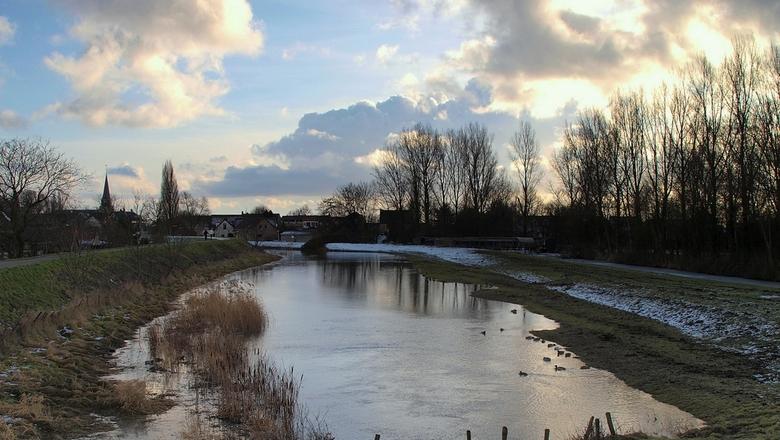 haventje Heinenoord - De sneeuw is weg. <br /> Veel meer sneeuw dan dit heeft er de laatste dagen niet gelegen.<br /> Het is ook wel weer fijn, dat