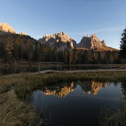 Bergtop reflectie Lago Antorno