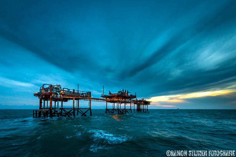 North Sea Sky. - Productieplatform in de engelse sector van de Noordzee.