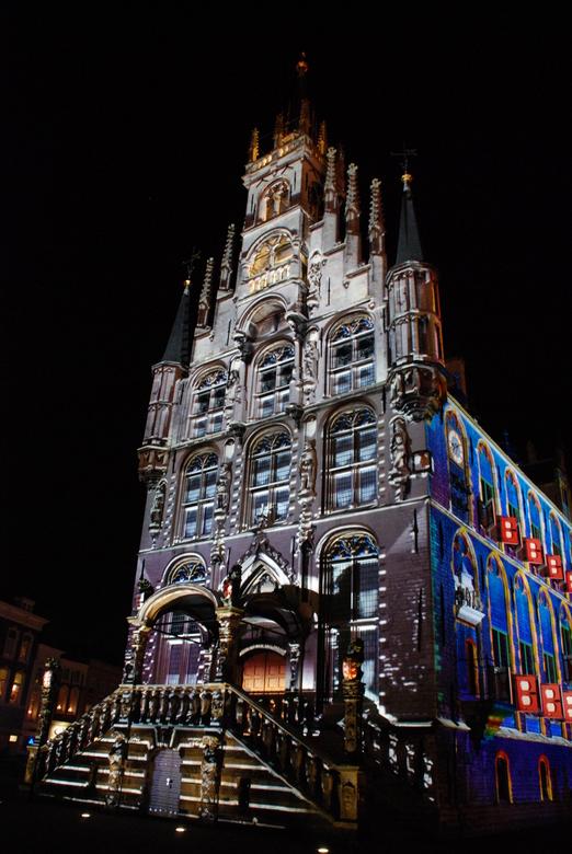 Stadhuis gouda kerst - soms doet de geente Gouda iets moois....<br /> belichting varieerd van minuut tot minuut