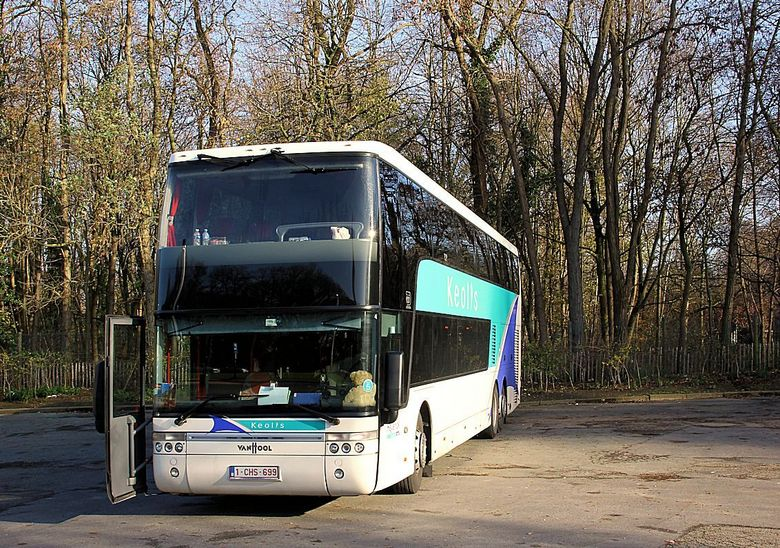 "Truck and bus 17 - <span style=""font-weight:bold;"">Touringcar Keolis: constructie Van Hool op een MAN chassis</span><br /> Keolis-travel verenigt de"