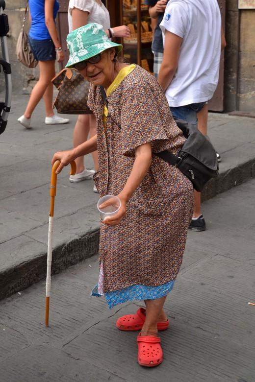 Streetlife - Dit soort types kom je altijd tegen in toeristische gebieden. Ik voel altijd enige gene om ze op de foto te zetten. Ik deed net of ik iet