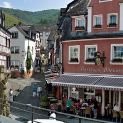 Een pleintje in BernKastel, foto 2.
