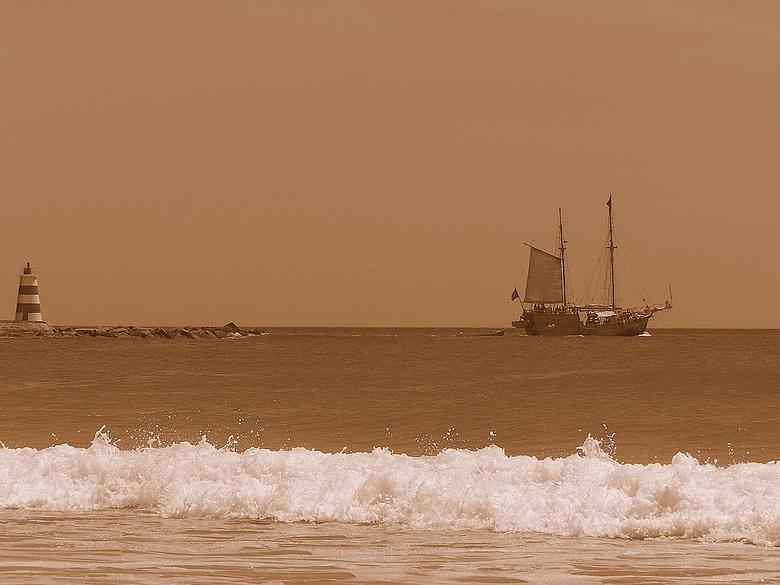 """Seaside... - Sorry voor degene die al een reactie&#039;s hadden geplaats, maar ik kon ze niet zien.<br /> Nieuwe poging<img  src=""""/images/smileys/wil"""