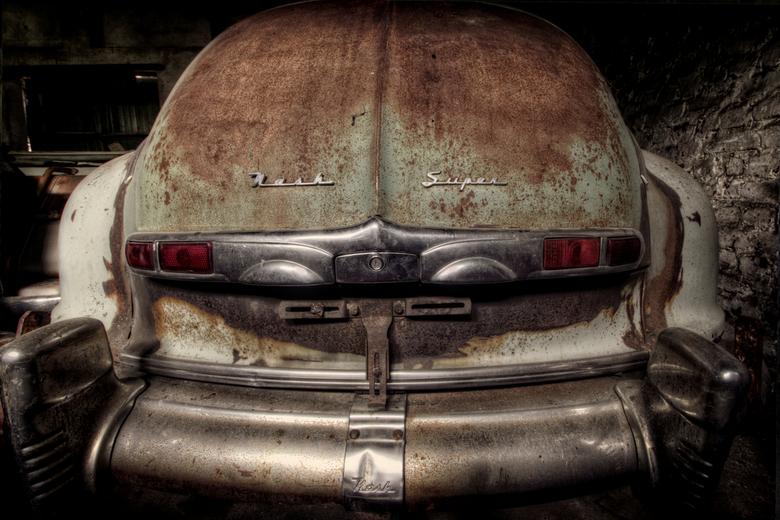 Super oldie - Found in a rusty barn ...