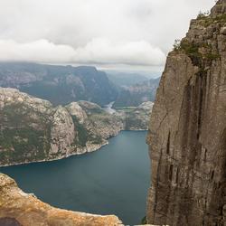 Noorwegen vanaf de Preikestolen 2