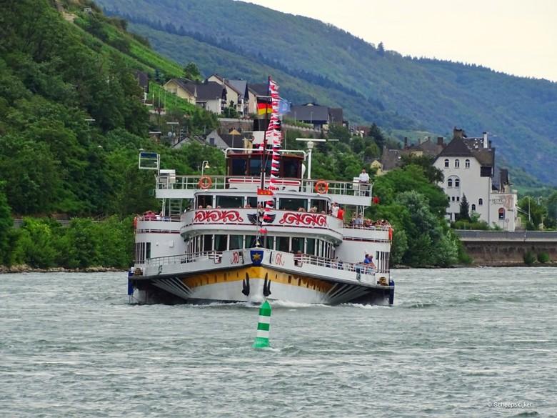 RMS Goethe oude dame. - Deze oude dame is een vormalig stoomschip en is uitgerust met moderne motoren. Maar ze vaart al meer dan 100 jaar over de Rijn