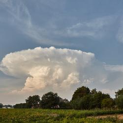 Aambeeld wolk
