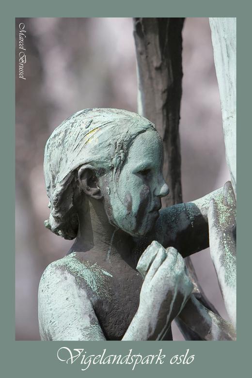 brons - Levensecht deze schitterende bronzen beelden ik het vigelandspark in oslo.