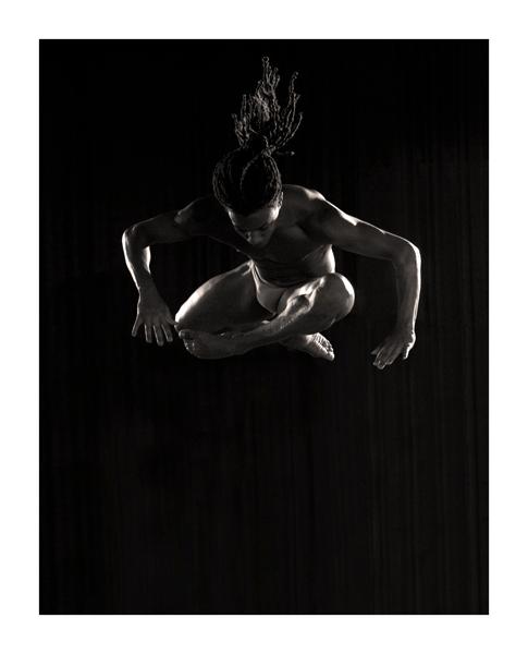 Jump Up - Vanderson is een van de twee prachtige dansers uit de Tarzan musical waar ik een fotoshoot van mocht maken.<br /> Ik vind het een voorrecht