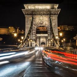 avond kettingbrug in Budapest