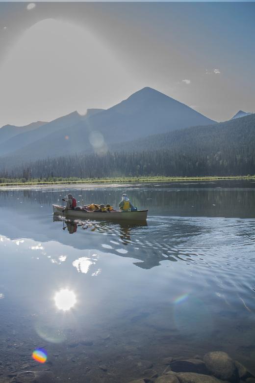 Bowron Lakes - Canadian family leaving campsite 9 - Wij hebben in 2014 de Bowron Lakes circuit in Canada (105 km) gekanood. Fantastische manier van re