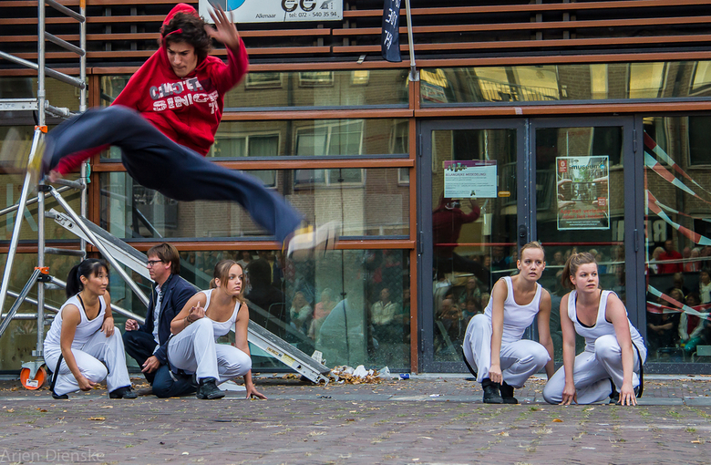'Free Runner does trick' - Tijdens opening van Kunst tot de Nacht.<br /> In kader van start van cultureel seizoen in Alkmaar.