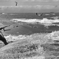 De kracht van de zee trotseren zw-w
