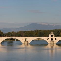 Pont du Avignon Mont du Ventoux