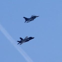 Een F16 en JSF