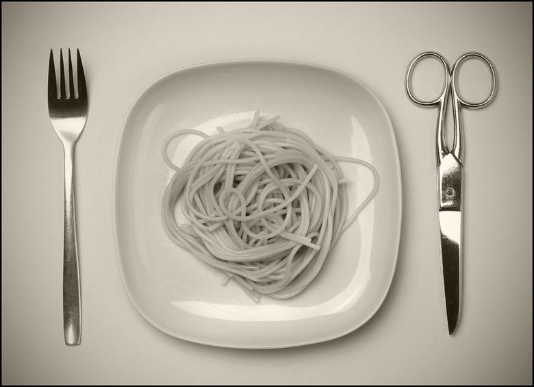 de maaltijd van Madoz - met deze foto heb ik getracht in de stijl van Chema Madoz een nieuw beeld te creeeren.