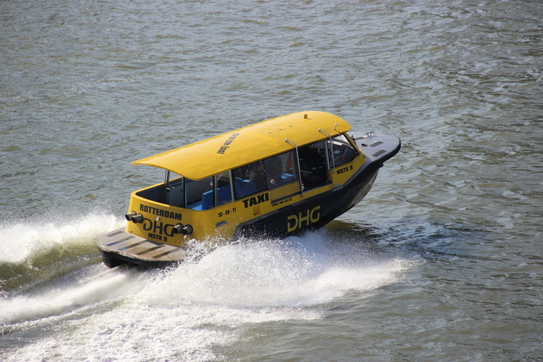 DHG Taxi 9 93-58-yt
