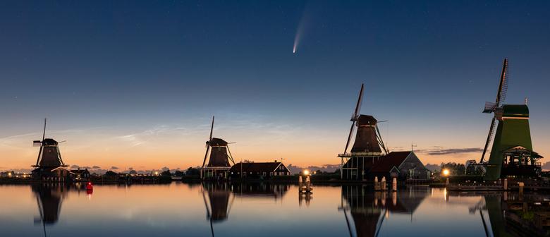 Neowise boven Zaanse Schans - De komeet Neowise is zeer goed te zien boven Nederland deze dagen!<br /> <br /> Om hem goed in het Nederlandse landsch