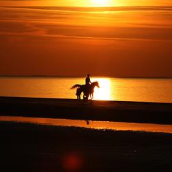 Zonsondergang op het strand van Renesse