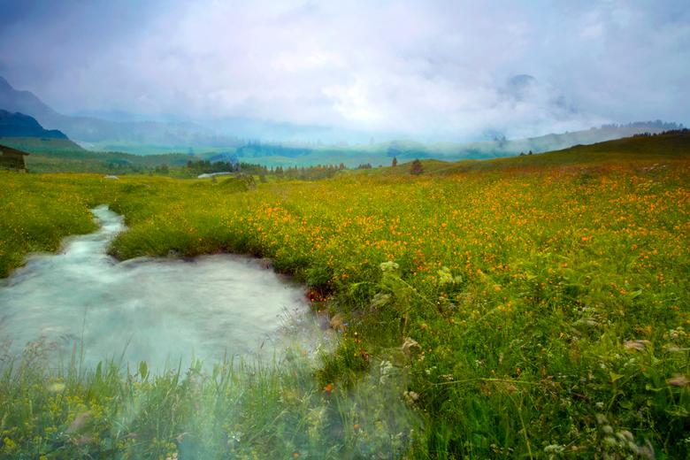 Schilderachtige Alp Flix - Ik bezocht de Alp Flix op ca. 2000 meter hoogte, Savognin, Graubunden, Zwitserland. Het was dramatisch slecht weer, bijna a