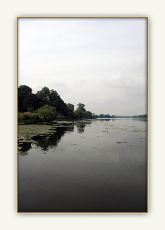 De overkant - Eijsden maar dan de overkant van het water, en dat is dan gelijk Belgisch grond gebied.