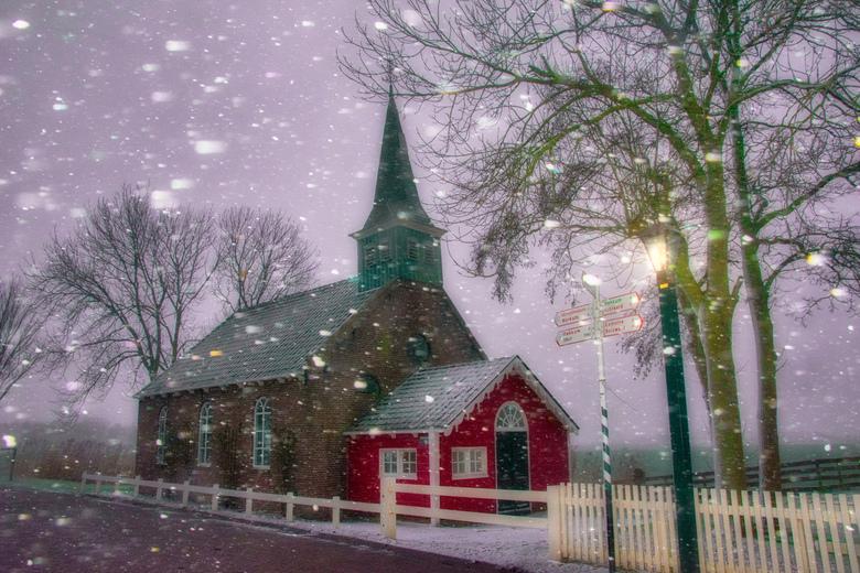 """Sneeuw in January  - Kerkje Allingawier . Klein museum dorpje in Friesland.  1 van de museum route """"alt fears erf route """" die je op de fiets"""