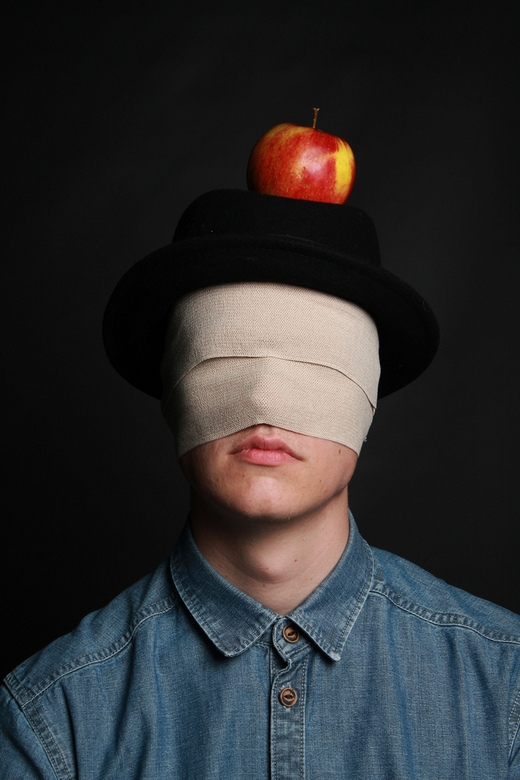 La pomme magique - in de stijl van René Magritte