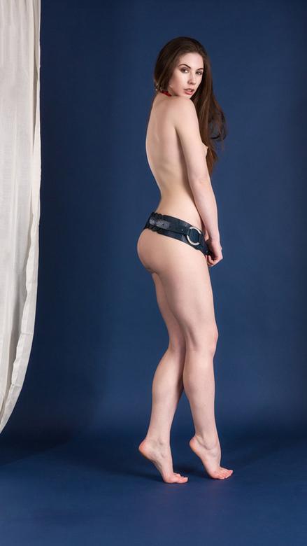 blue belt - model Elle Beth<br /> <br /> Bedankt voor alle responses op mijn vorige foto&#039;s. Altijd fijn om te krijgen ...