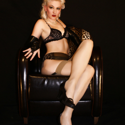 sandra pin up 351