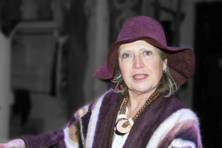 lady with the purple hat -