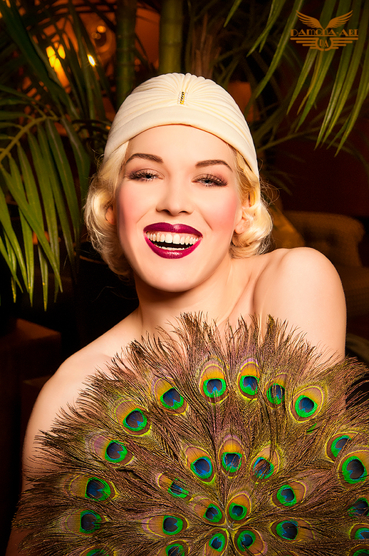 SMILE - Ik wou al langer nog eens een twenties shoot doen en deze week heb ik dat gedaan. <br /> Fay Loren was geweldig en meer volgt nog.....ook in