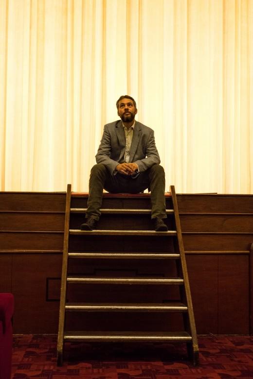 Tuschinski Theater - Broer - foto van mijn broer op het podium van het prachtige Tuschinski theater in Amsterdam.