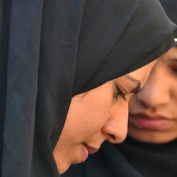 Egyptische ogen, Cairo, jonge vrouwen op de markt.