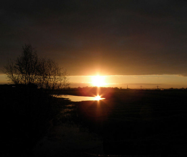 Zonsopkomst Tiel Echteldsedijk - 1ste paasdag zonsopkomst