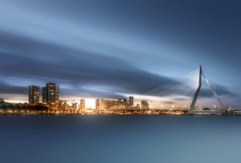 The Last Light - 2 minuten sluitertijd tijdens de laatste momenten licht van de dag, bij misschien wel de mooiste skyline van Nederland.